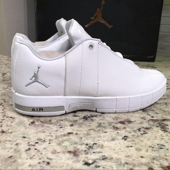 5b059cd8e5fc BRAND NEW Jordan Team Elite 2 Shoes